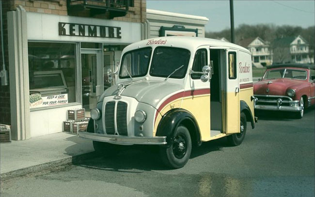 cool-miniature-town-cars-photographer-recreation-ice-truck